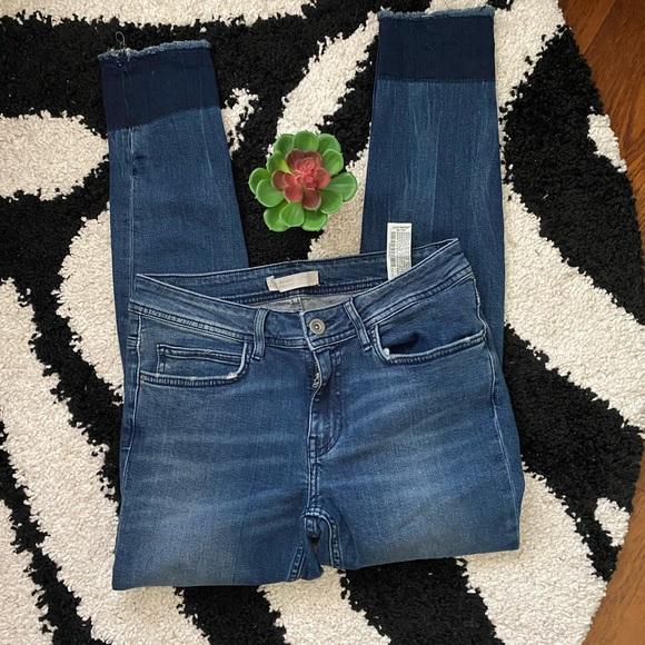 Zara Blue Distressed Jeans Sz 6